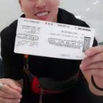 【動画】韓国人ユーチューバー、日本行き航空券破り捨て「不買運動とはこういうこと」 [海外]