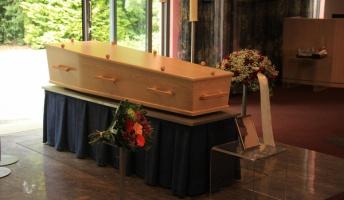 【閲覧注意】「死装束」「鳥葬」等 ユニークな葬儀6選