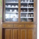 『●食器棚の収納(下段)● 食器が多くても大丈夫! 見えないところもすっきり収納!!』の画像