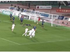 【 GIF 】広島に逆転を許した後に、広島の選手達にボールを蹴りこむガンバ東口!