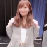 小嶋陽菜プロデュースの服を着てポーズを決める指原莉乃www