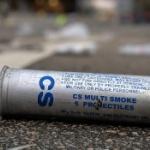 【香港】催涙弾があまり日常的になりすぎて、拾ってきてペン立てにする香港人! [海外]