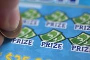 【幸運】がん闘病の男性、宝くじ2千万円当選 最後の化学療法に向かう途中で購入