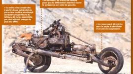 サハラ砂漠で車が故障 → 分解してバイクに → 無事帰還