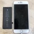 iPhoneX・8・7のバッテリー交換も最短15分で完了します m(_ _)m