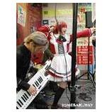 『SPACE AKIBA-POP! 発売記念店頭ライブ』の画像