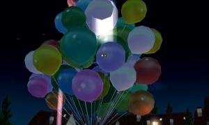 15000個以上の空気いっぱいの風船が集まり…