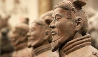 中国の兵法書「他国からの使いが有能なら冷遇して帰せ。無能なら厚遇して大量の土産持たせて帰せ」