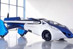 空飛ぶ車「エアロモービル」、2017年に発売