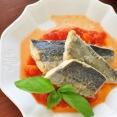 レンジで出来る簡単トマトソースの作り方とそのアレンジでおしゃれな魚おかず