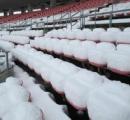 【大雪】サッカー場が一晩で真っ白に!