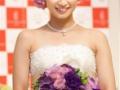 【画像】平愛梨が純白ウエディングドレス姿披露…理想のタイプはソムリエの田崎真也