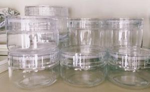 透明感が美しいガラス容器で食品を保存