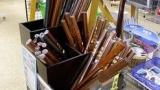 男子中学生の87%「修学旅行で木刀を買った」←買わなかった奴www