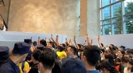 【取り付け騒ぎ】中国恒大集団の本社で投資家が抗議、金融商品の償還求め