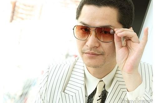 【悲報】AV男優のしみけんさん、関東連合元幹部に脅されていたのサムネイル画像