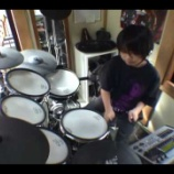 『TOSHI率いるエコロックバンド・TOSHI with T-EARTHに12歳のドラマーが参加』の画像