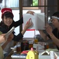 【画像】川栄李奈、右手の切り傷を初公開!!女の子にこの傷は可哀想すぎるとの声 アイドルファンマスター