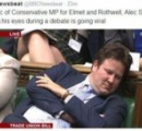 議会中に居眠りをしていた国会議員に対し、天下の公共放送局が謝罪する事態に!