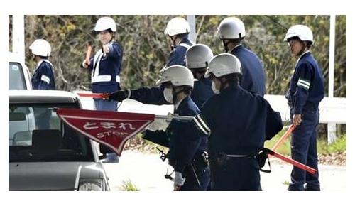 向島に逃走した受刑者が捕まらないことへの海外の反応「泥棒一人に」「日本では犯罪者さえも丁寧」
