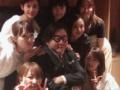 【画像】 秋元康(60歳) 酒池肉林パーティーの様子がヤバイと話題にwwwwⅴwww