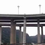 【動画】中国、開通して3ヶ月の高架道路の橋脚が早くも傾斜!道路も沈み込む…。