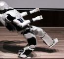 イランが開発したロボット「ソレナミニ」が公開