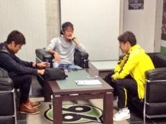【画像】試合後にソファに座って話をする香川&清武&酒井ゴリ!ゴリが一番サッカー上手そうwwww