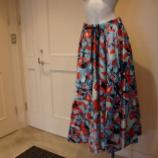 『DUAL VIEW(デュアルヴュー)リップモチーフプリントスカート』の画像