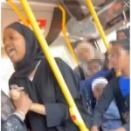 【人種差別】イスラム教徒の女性、バス車内でインド人男性に「あんた、カレー臭いんだよ!」と猛攻撃