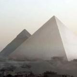 ギザの大ピラミッドは建設当初は白く輝いていた