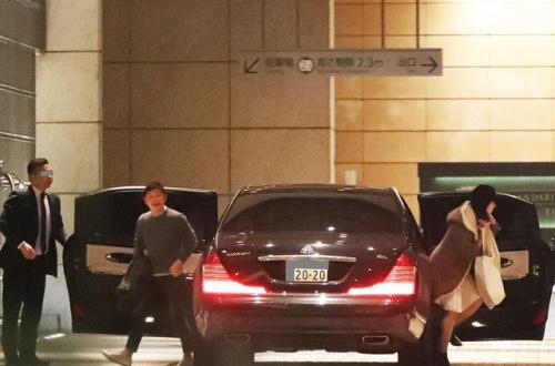 【朗報】ZOZOTOWNの敏腕社長、クソデカイ高級車を乗り回すのサムネイル画像
