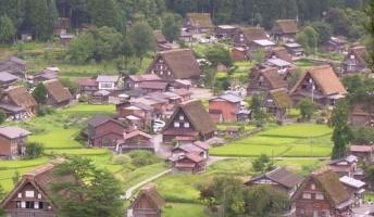 日本で閉鎖的というか不思議な風習のある村や地域教えて