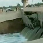 【動画】中国、今度は道路橋が崩落!川の水量に耐えきれず…、またおから工事か…? [海外]