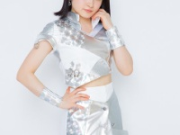 【モーニング娘。'18/カントリー・ガールズ】森戸知沙希、小関舞とお揃いのイヤリングでテレビ収録に臨む