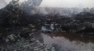 【アフリカ】南スーダンのワウ州ワウ空港で旅客機が着陸に失敗、37人負傷 機体炎上