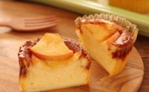 リンゴをのせた簡単チーズケーキ