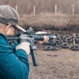 アメリカで射撃体験した時、銃をふざけて隣の客に向けたらマジで大騒ぎになった・・・