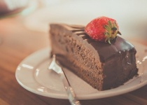 ワイ禁チョコ中、世のお菓子の大半にチョコが入ってて憤慨
