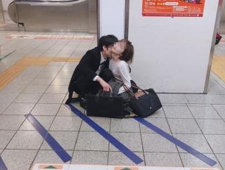 【画像】東京の終電で見られるこんな光景wwww