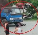 中国の中年女性が近年稀にない雑演技で交通事故の被害を主張 監視カメラで嘘がバレる