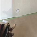『壁に穴』の画像