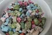 公園でバケツいっぱい入れた石チョコ食うの面白すぎワロタwwwwww