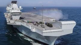【軍事】中国原子力潜水艦、英空母を尾行するもすぐにバレるwwwww