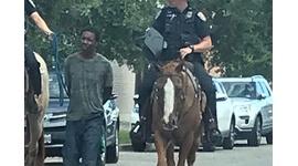 【米国】騎馬警官にロープで連行された黒人、1億円の賠償求めて提訴