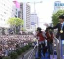 羽生結弦くんの仙台凱旋パレード 12万人が日の丸を振って祝福 映像すごすぎワロタ