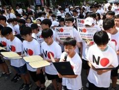 ムン大統領「反日は国是」を公式文書化へwwwwww 前代未聞の事態に韓国国会パニックwwwwww