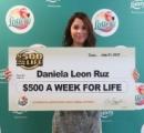 ダニエラさん(18)が死ぬまで年290万貰えるスクラッチくじに当選。