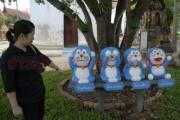 【タイ】お寺に寄贈されたドラえもん像が話題に…目、口、耳を塞いだ日本の三猿と同じような仕草