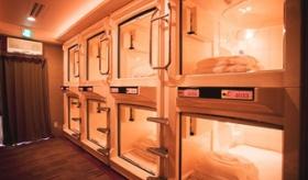 【宿】  日本の 「カプセルホテル」について。 日本人は、こんな狭き宿泊施設で過ごせるのか・・・。    海外の反応